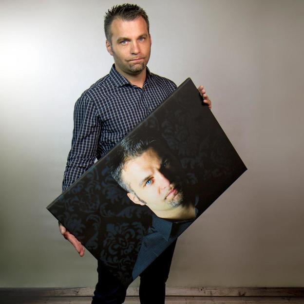 Fotoshooting mit einem Leinwandbild in St. Gallen