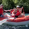 Firmen: Schlauchbootfahrt auf der Aare von Uttigen nach Bern