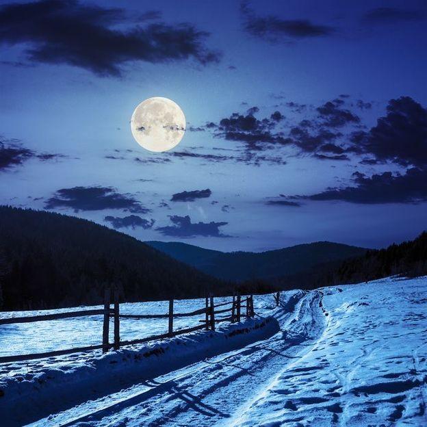 Randonnée en raquettes sous la pleine lune à Adelboden