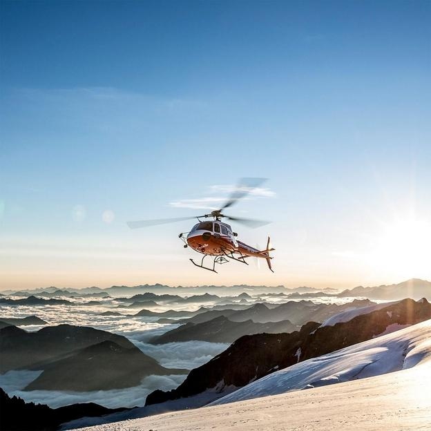 Vol en hélicoptère Eiger-Mönch-Jungfrau Sud et Séjour à L'Hôtel the hey