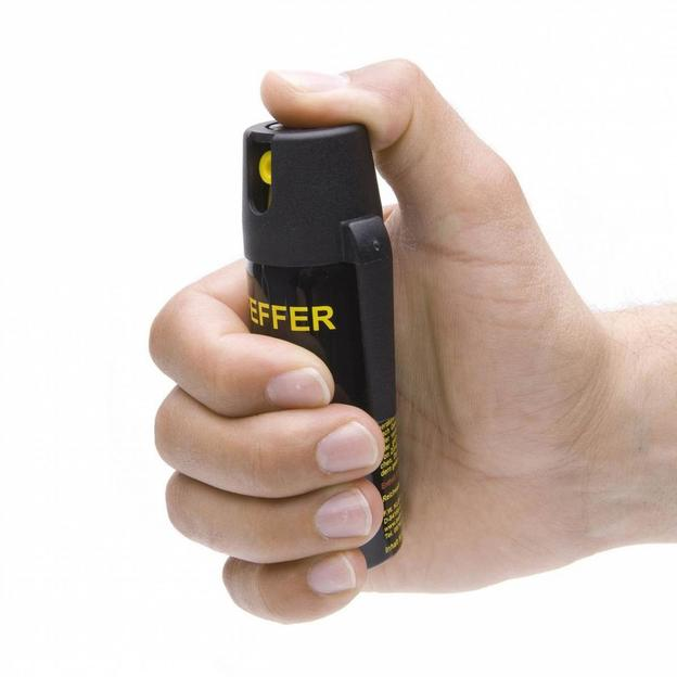 Firmen: Pfefferspray-Kurs