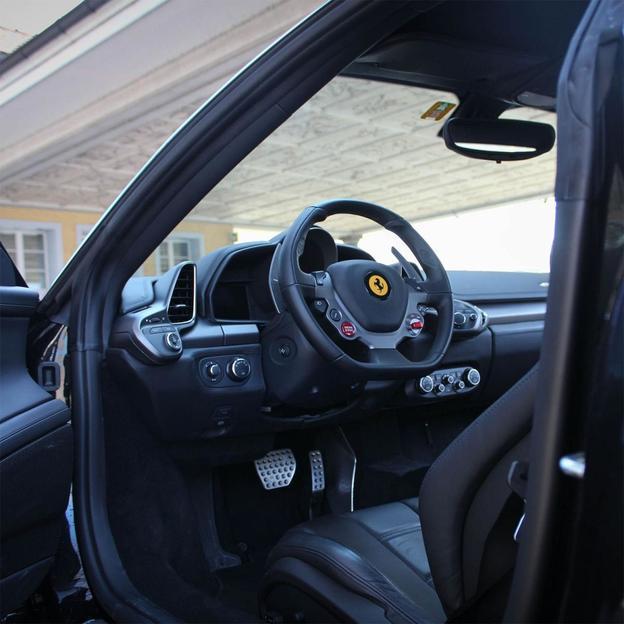 Ferrari F458 Italia für 2 Stunden