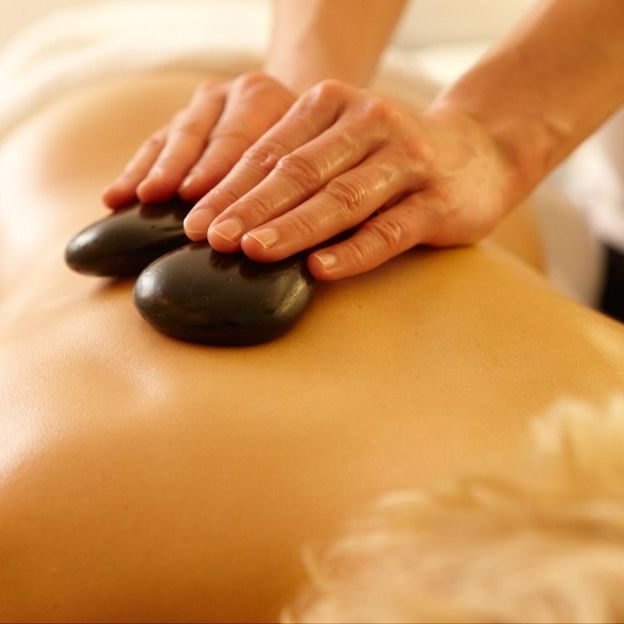 Hot Stone Massage 55 Minuten