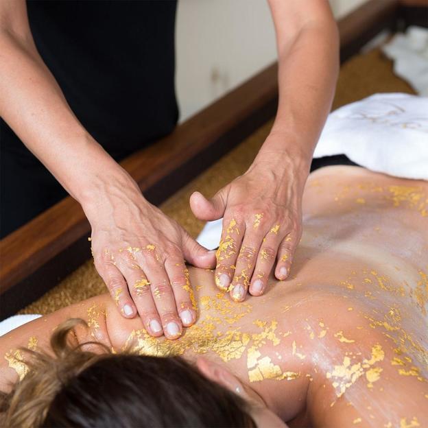 Goldmassage mit 24 Karat Gold (90 Minuten)