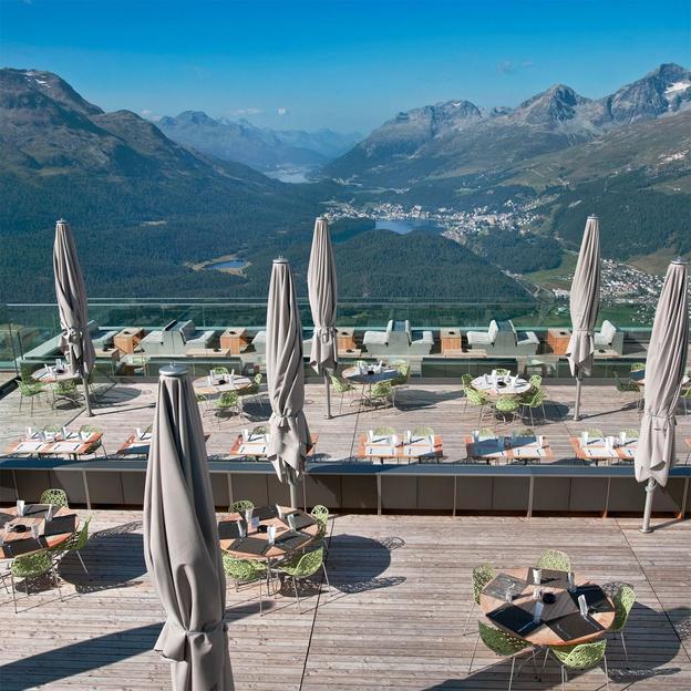 Petit-déjeuner romantique au Champagne à 2456 m d'altitude