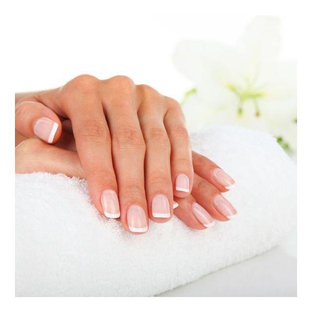 Maniküre - Beauty Hände mit Shellac