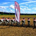 Firmen: Motocross fahren (geschlossene Gesellschaft)