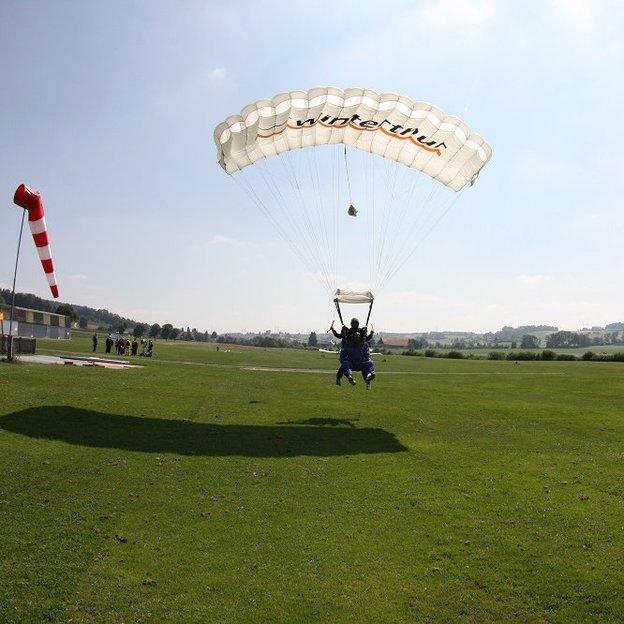 Tandem Fallschirmsprung (für 1 Person)