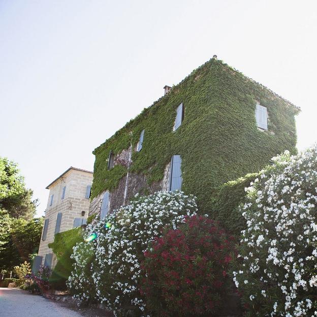 Séjour Romantique  sud de la France + coffret cadeau (2 pers)