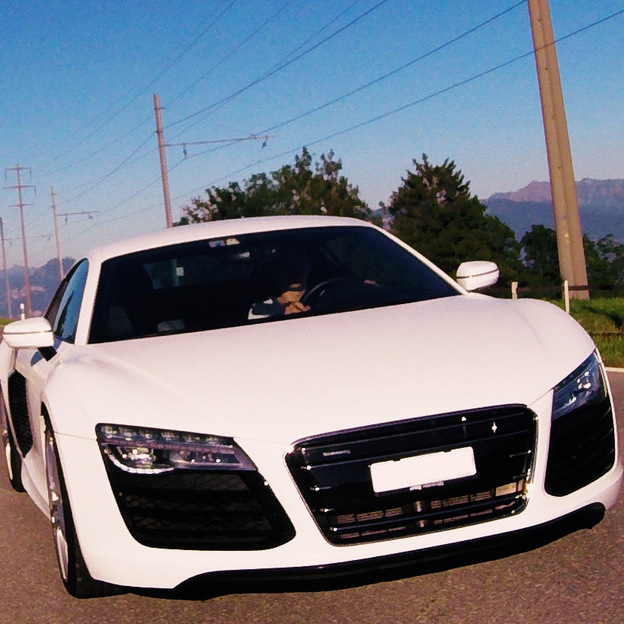 Location Audi R8 V10 525 ch  3 heures
