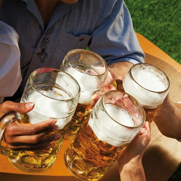 Firmen: In der Welt des Segelns und des Bierbrauens