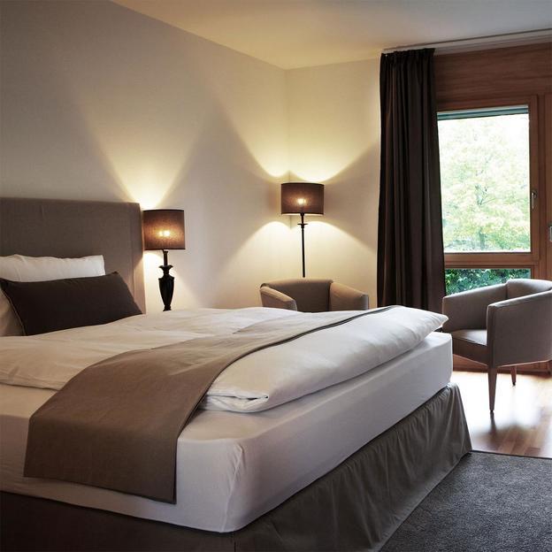 Romantisches Wochenende mit Wellness im Schloss Hünigen (2 Übernachtungen für 2 Personen)