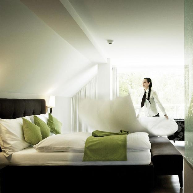 Schlafen im Schloss Hünigen mit Rosengarten (Junior Suite)