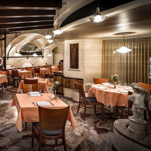 Hôtel dell'Angelo, Piazza Grande, Locarno (1 nuit- 2 pers)