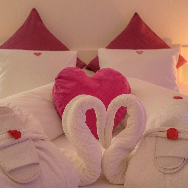 Romantik Suite Purple Love mit Whirlpool & Balkon
