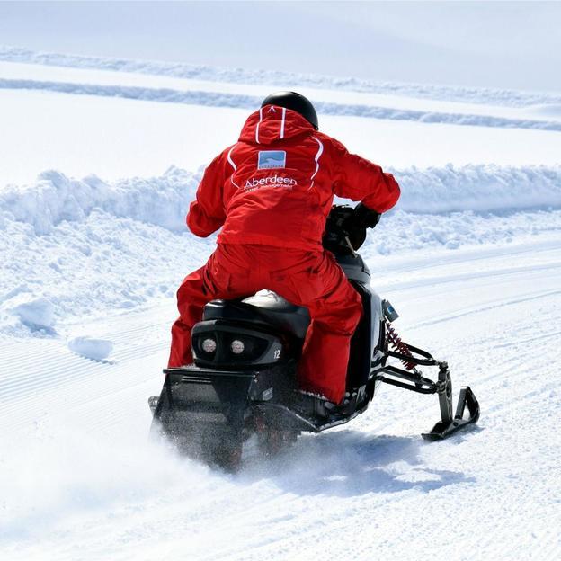 Snowmobile fahren in Engelberg (2 Personen)