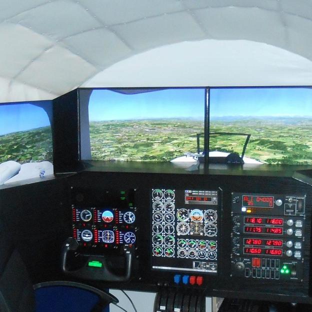 Piloten-Training im Flugsimulator in Zürich