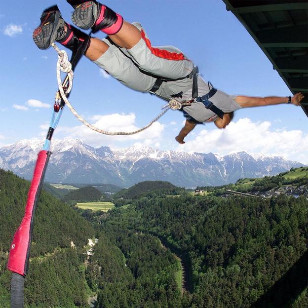 Saut à l'élastique - 192 mètres Pont de l'Europe