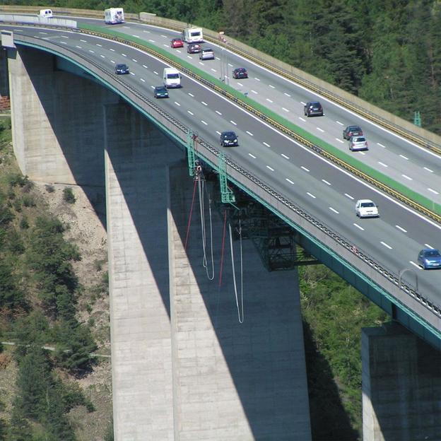 Bungy Jumping - 192m Europabrücke