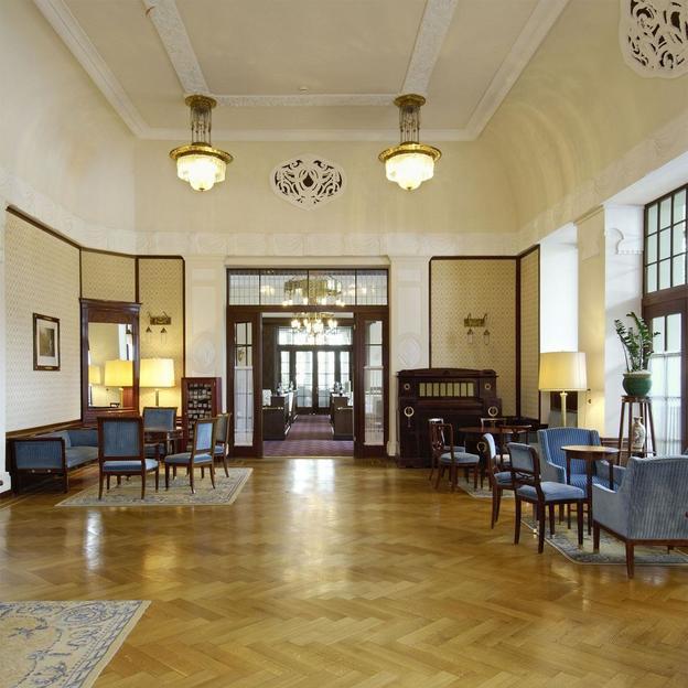 Zeitreise im historischen 5 Sterne Hotel des Jahres 2005