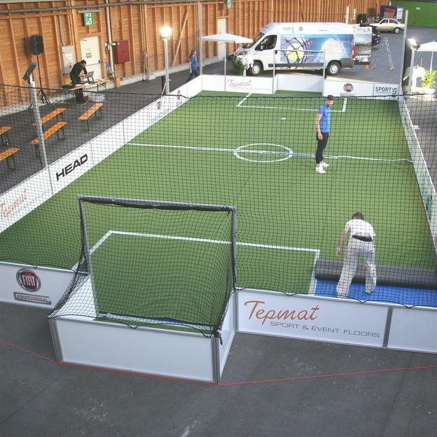 Der Sportbus - Tennis oder Fussball Event mieten
