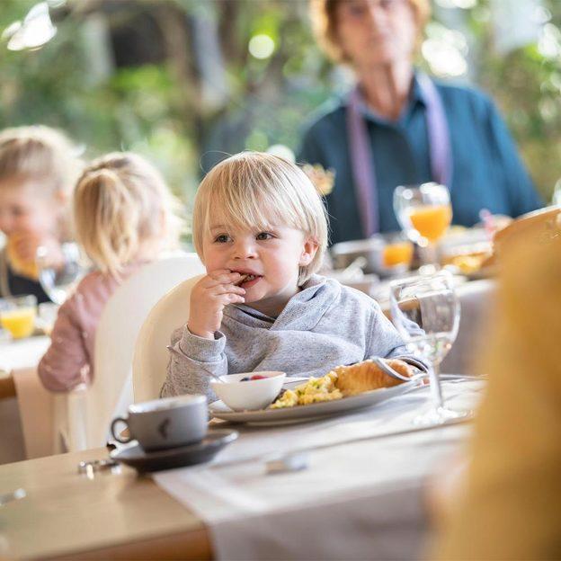 Sonntagsbrunch für 2 Erwachsene im Zoo