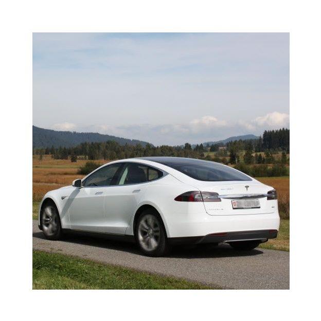 Tagesmiete Tesla Model S 85D