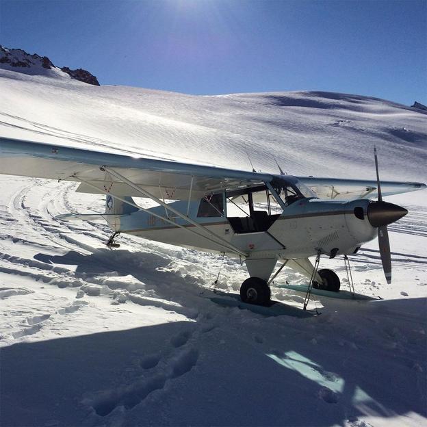 Vol en avion avec atterrissage sur glacier