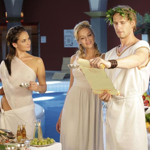 Se baigner et manger comme César
