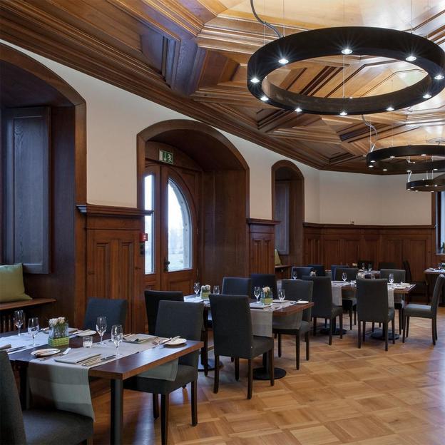 Repas 5 services au château Seeburg (lac de Constance)