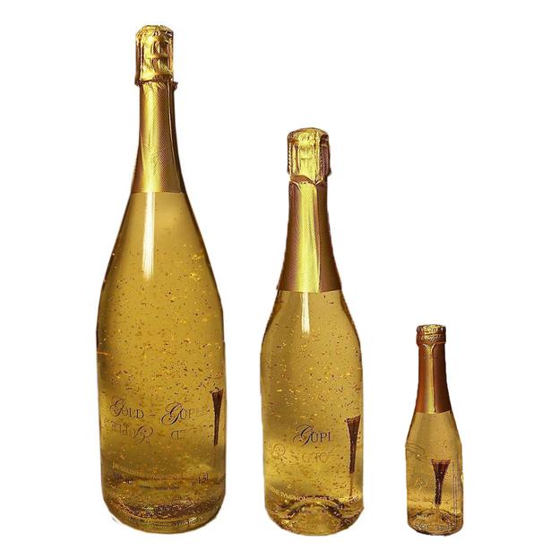 Vin avec or en feuilles