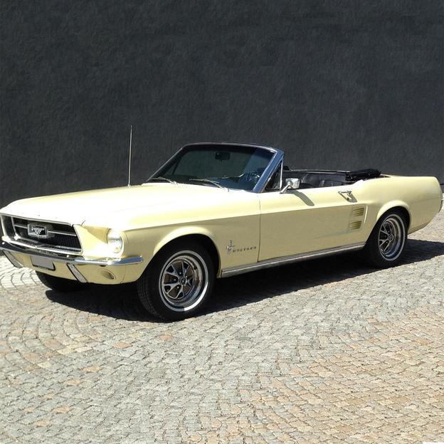 Ford Mustang Convertible fahren für 1 Tag
