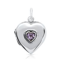 Pendentif médaillon en coeur serti d'une pierre précieuse
