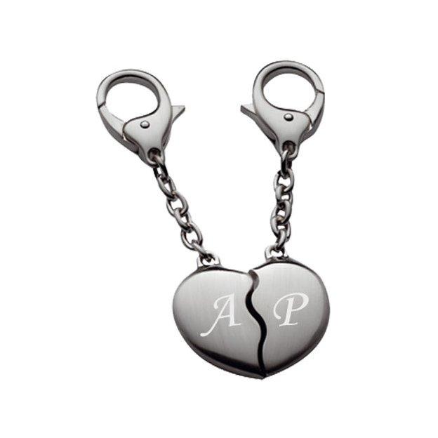 Personalisierbarer Broken Heart Schlüsselanhänger mit Initialien