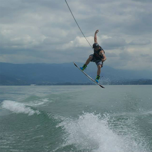 Wakesurf & Wakeboard sur le lac de Bienne