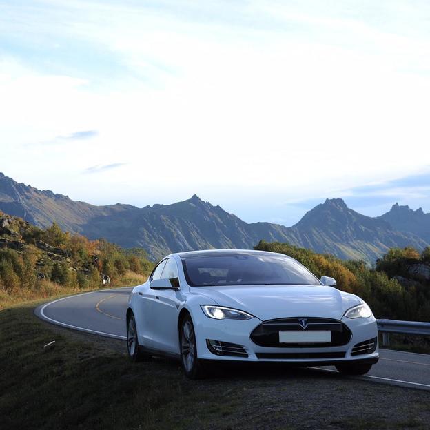 24 Stunden Tesla Model S85D fahren