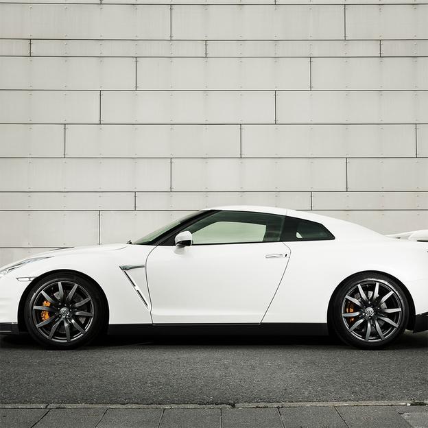 Nissan GTR Black Edition für 6 Stunden