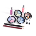 Beauty Case mit 12 Lidschatten