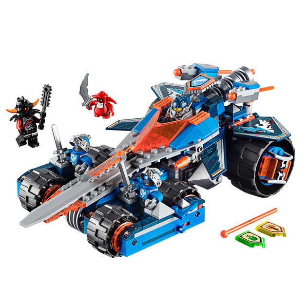 LEGO Nexo Knights Clays Klingen-Cruiser