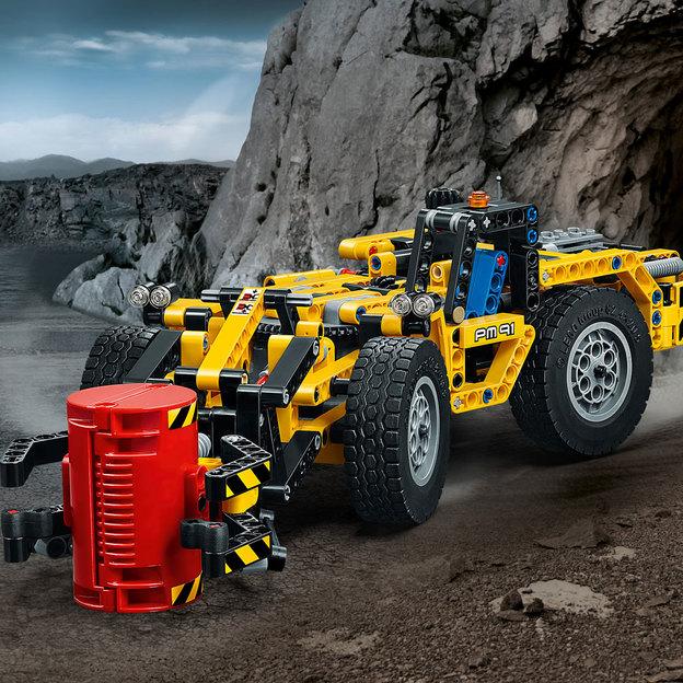 LEGO Technic véhicule de mineur -- chargeuse et découpeuse