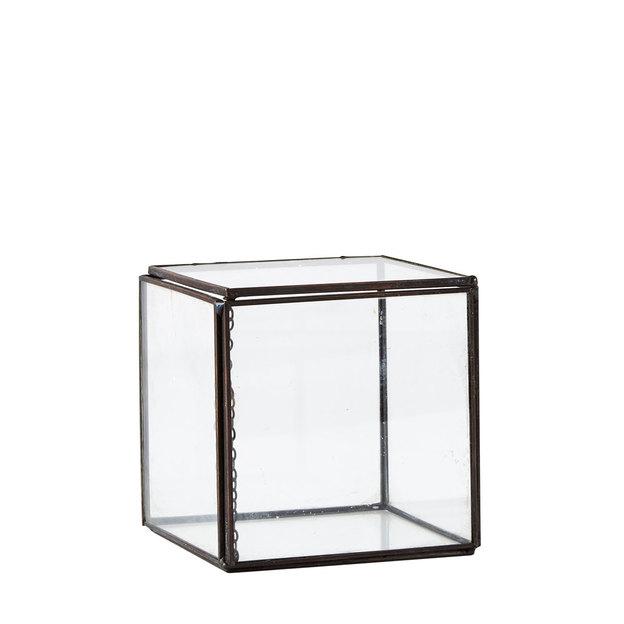 Glasbox aus Titanium