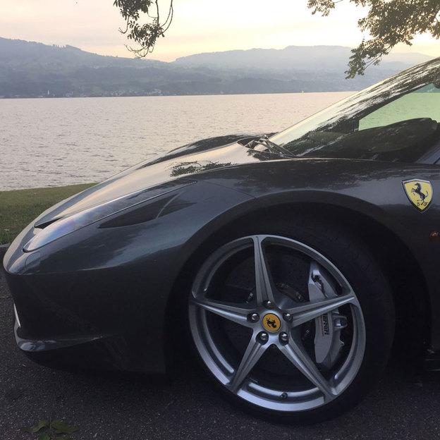 Ferrari 458 für 12 Stunden fahren