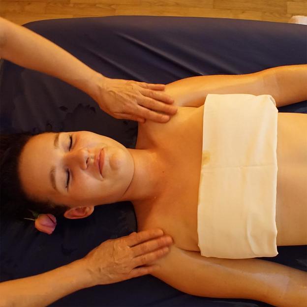 Abhyanga Ganzkörpermassage