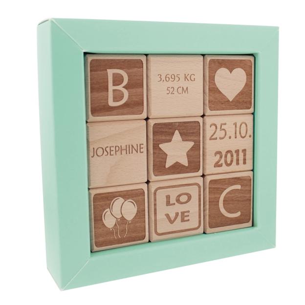 Cubes en bois personnalisés pour bébé