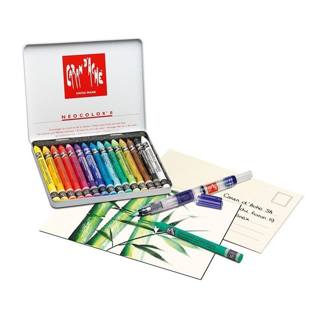 Caran d'Ache Creative box avec 15 Neocolor, 12 cartes postales aquarellables et 1 pinceau
