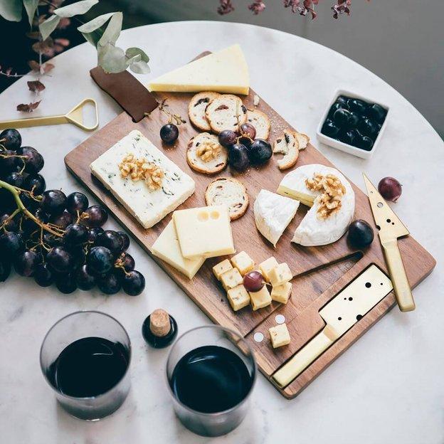 Käsebrett Cheeseporn inkl. 2 Käsemessern