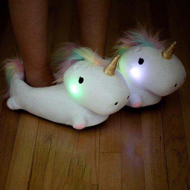 Hausschuhe Einhorn mit LED Licht