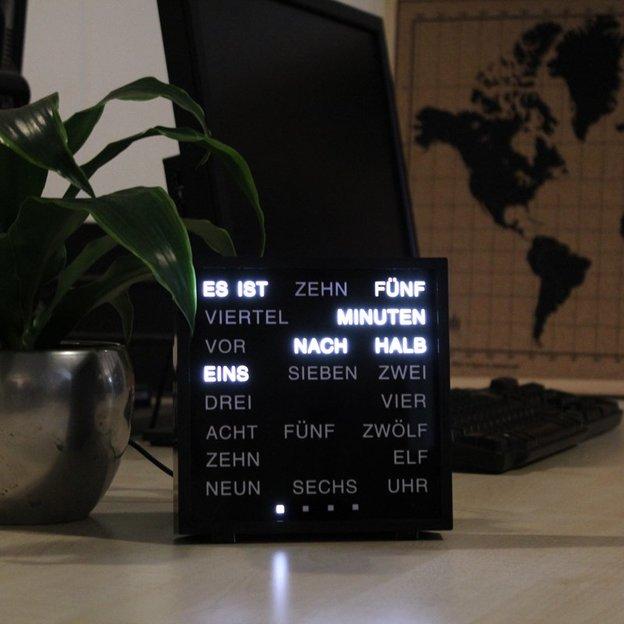 LED Buchstabenuhr