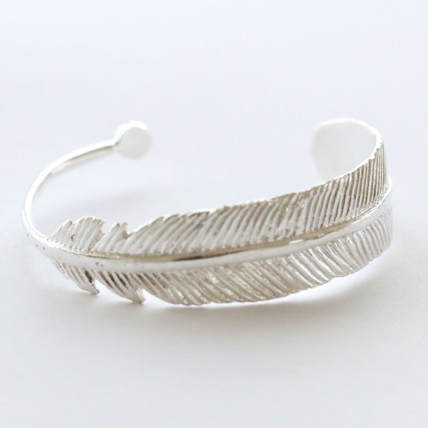 TARA STYLE Armspange Feather Silber verstellbar