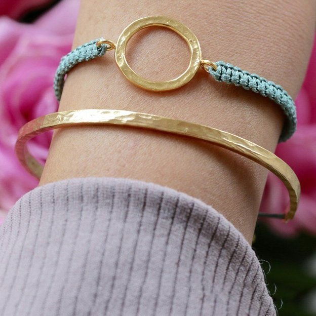 Tara style armband karma bangle gold petrol for Petrol farbe bedeutung